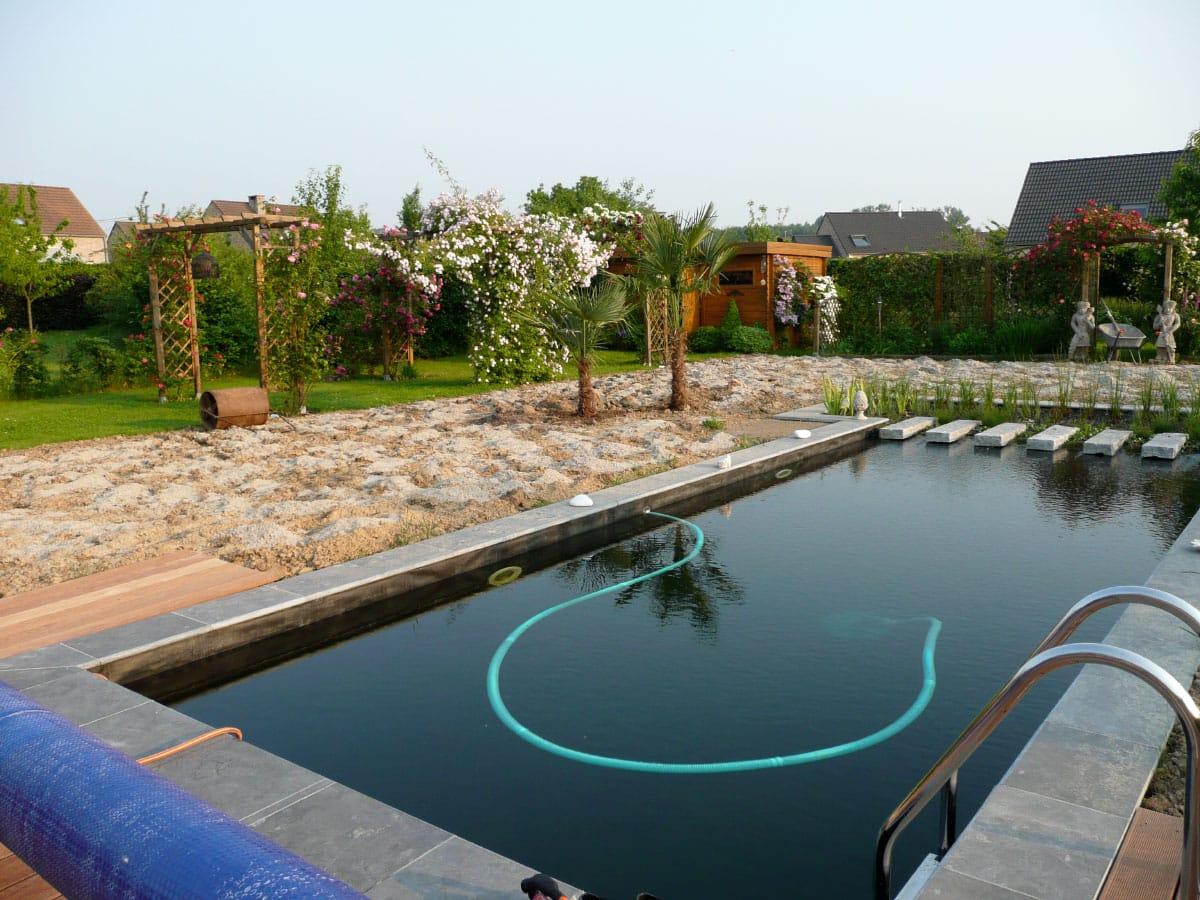 les solutions de chauffage de piscine naturelle naturapool en suisse. Black Bedroom Furniture Sets. Home Design Ideas